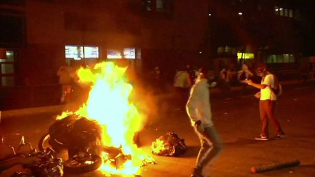Venezuela: Violent overnight clashes in Caracas