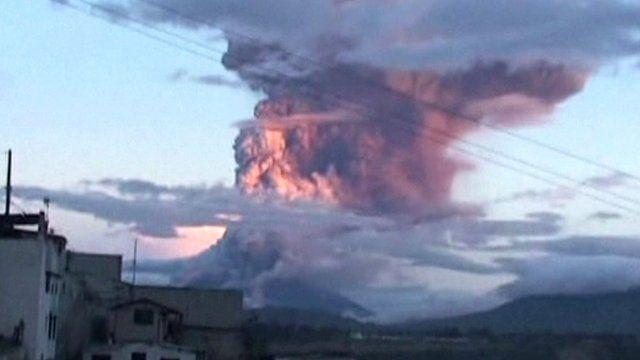 Volcano spews 10km (6.2 mile) ash plume in Ecuador