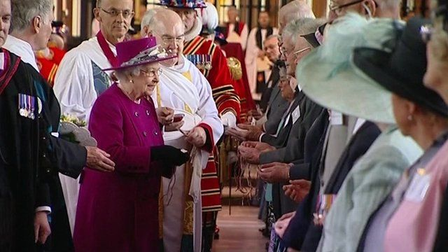Queen handing out Maundy money