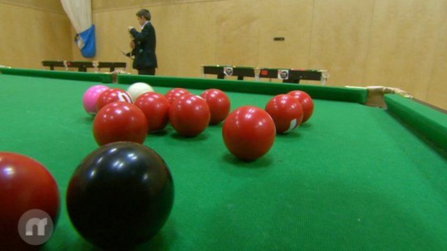Watch BBC's Mike Bushell try out snooker maths.