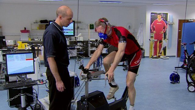 Fergus Walsh taking cardiovascular cycling test