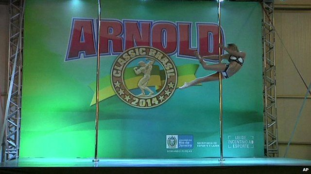 Pole dancing contestant