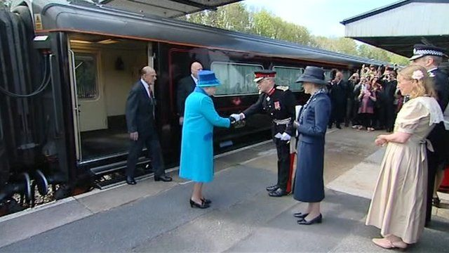 Queen at Haverfordwest station