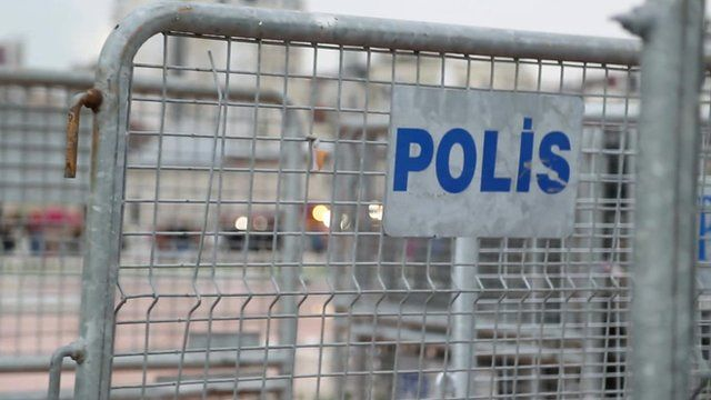 Police baricade in Istanbul's Taksim Square