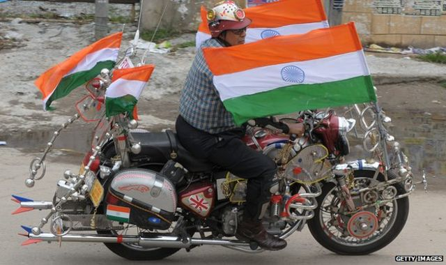 India: Devotees pray for motorcycle 'blessings'