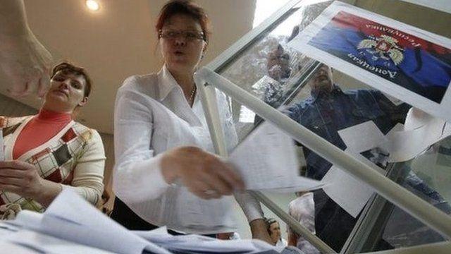 Voting in Donetsk