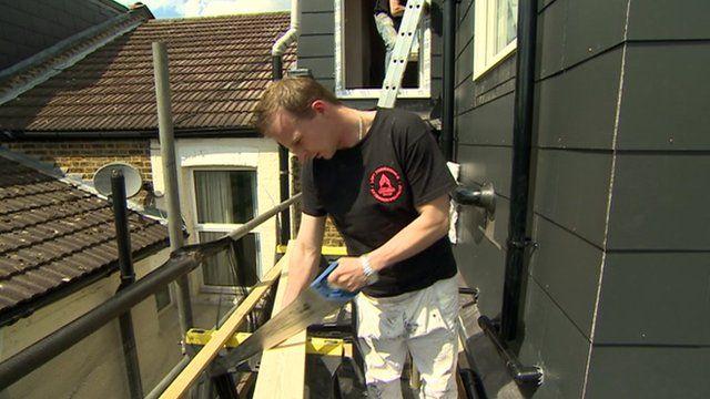 A migrant builder