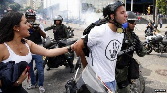 Venezuela detains dozens of anti-government protesters