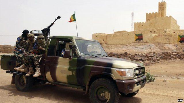 Malian soldiers patrolling in Kidal, July 29, 2013