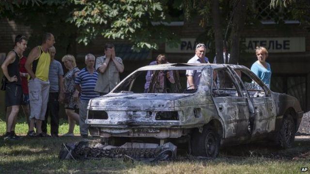 Ukraine rebels 'to free' observers