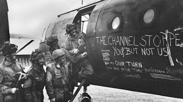 British paratroopers by plane