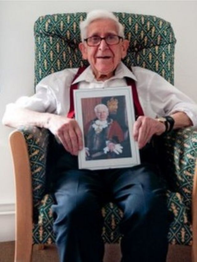 D-Day: Hove veteran disappears for Normandy trip