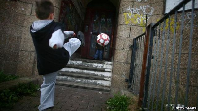 UK child poverty plans doomed to failure, report says