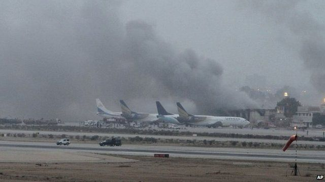 Smoke billows from Karachi airport (9 June 2014)