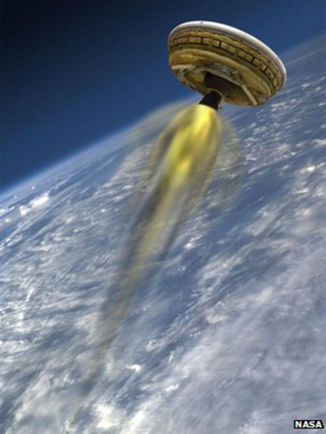 Nasa 'flying saucer' tests Mars tech