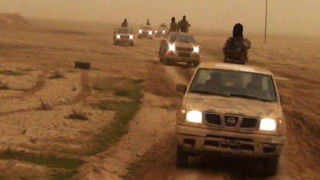 Iraq ISIS Islamist insurgents 'steadily tighten their grip'