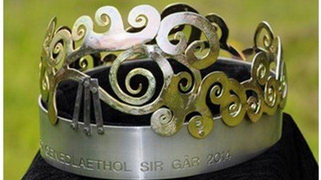 Coron Eisteddfod Genedlaethol Sir Gâr