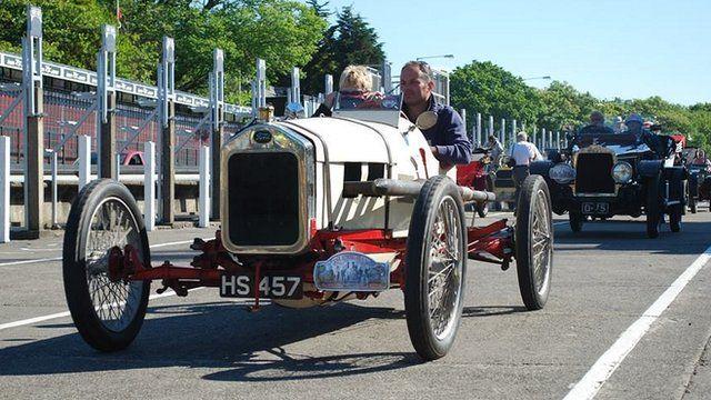 Vintage cars return 100 years on