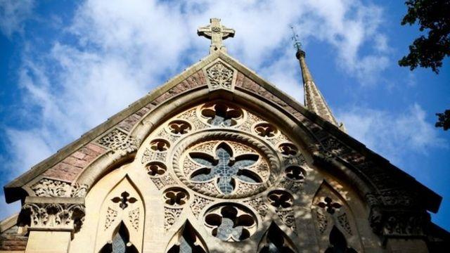 United Reformed Church fails to agree on gay weddings