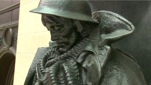 The statue of the unknown soldier