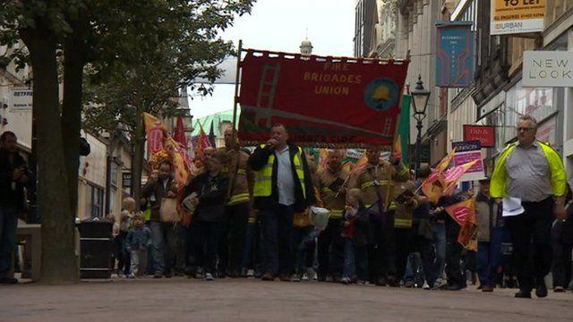 Union members on strike
