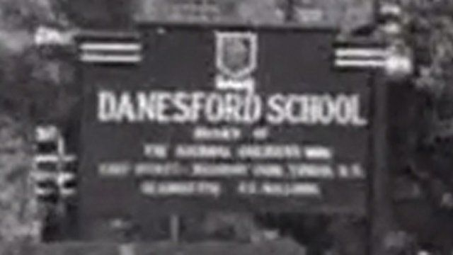 Danesford school sign