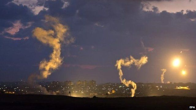 Israeli flares light up the sky ahead of the Gaza ground offensive, 17 July