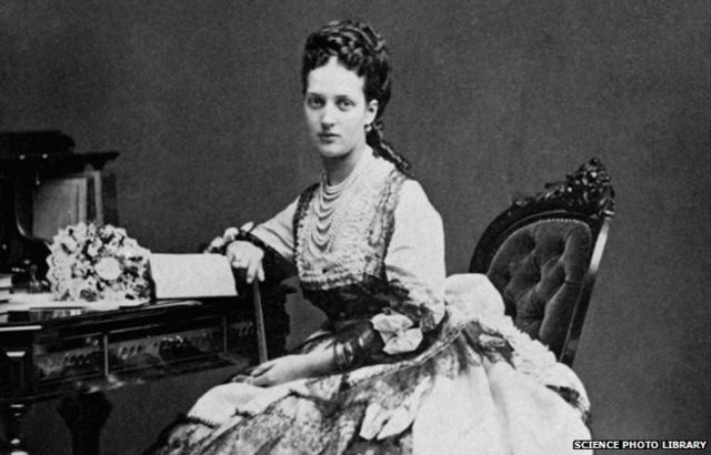 Victorian Strangeness: The bizarre tale of the ladies who limped