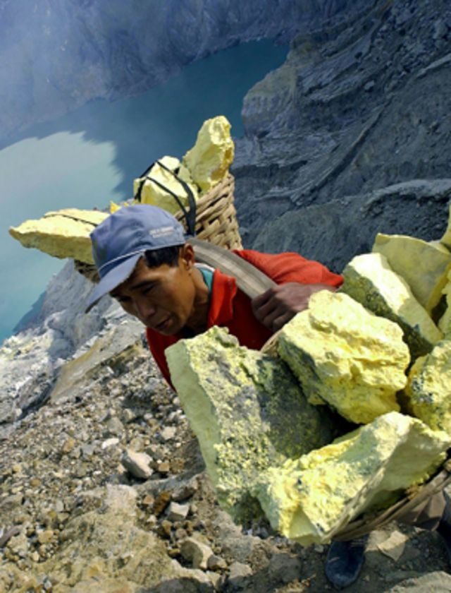 Sulphur surplus: Up to our necks in a diabolical element