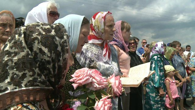 Villagers in eastern Ukraine