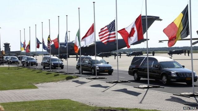 First MH17 dead to be flown to Netherlands from Ukraine
