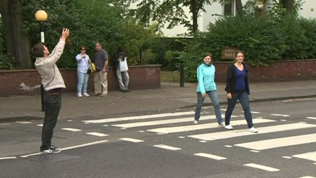 Beatles' Abbey Road crossing could get lollipop lady over safety fears