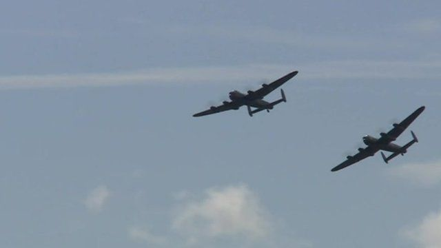 Two World War Two Lancasters fly in tandem for the first time in 50 years