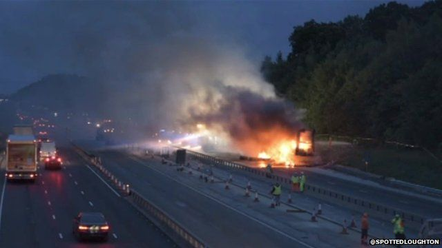 Scene of M25 lorry fire courtesy of @SpottedLoughton