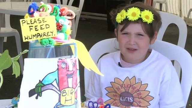 Girl, 7, grows flowers for injured man