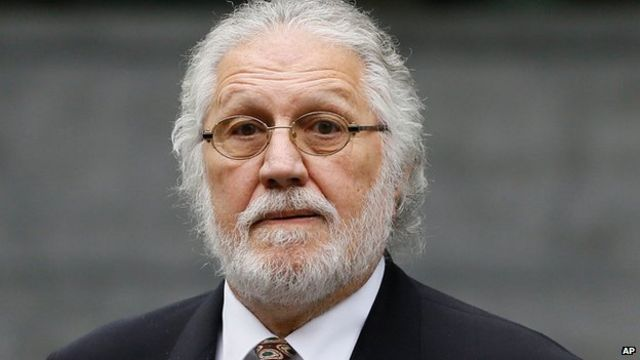 Dave Lee Travis 'was a sexual opportunist', retrial hears