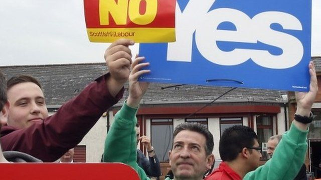 Yes and No supporters for the Scottish independence referendum