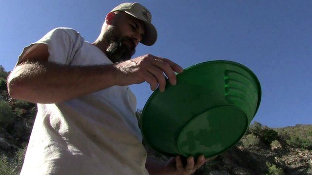 Jeff Paraglia, amateur gold prospector