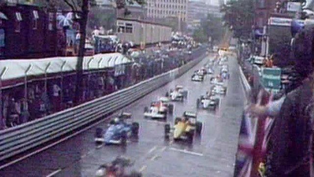 Formula 3000 cars on the grid in Birmingham