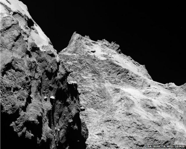 Rosetta takes 'selfie' ahead of landing site selection