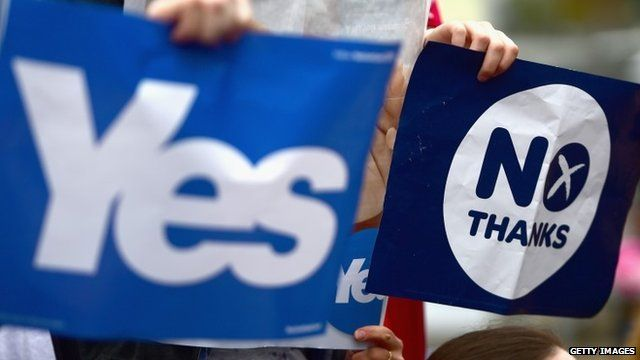 Yes and No campaign signs