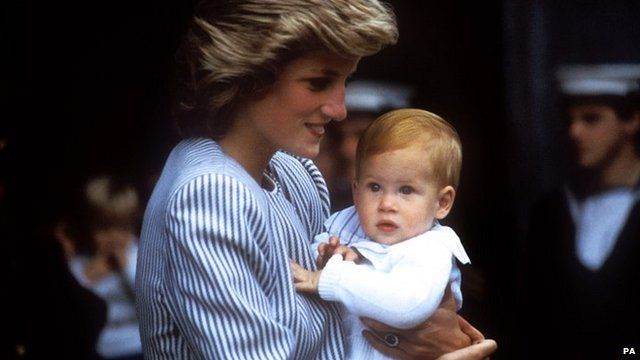 Diana, Princess of Wales, carrying Prince Harry on 7 August 1985