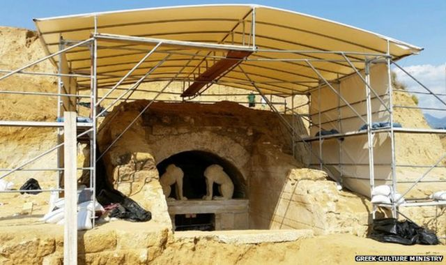 Greek tomb was 'for Alexander the Great's friend Hephaestion'