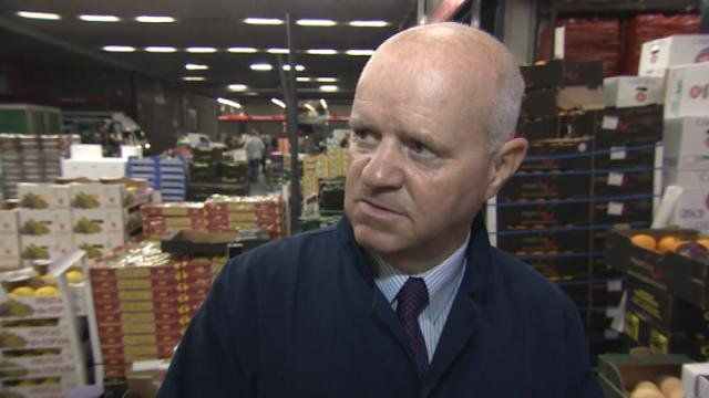 Early morning workers at the Old Fruit Market in Glasgow give their opinions on a 'No' vote.