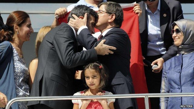 Joy in Turkey as IS hostages return home