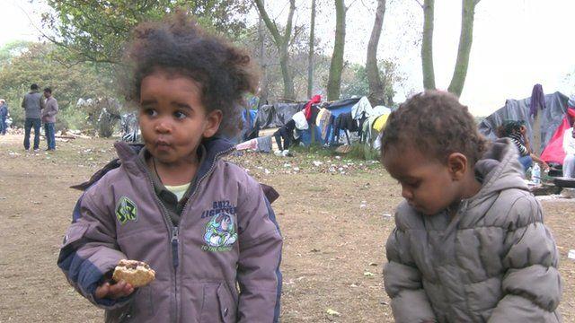 Children in Calais camp