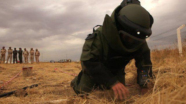 Training exercise to find explosives in Iraqi Kurdistan
