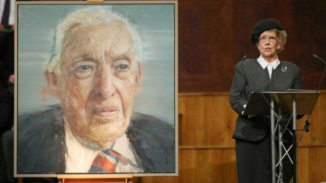Ian Paisley's wife speaks next to his portrait at his memorial service