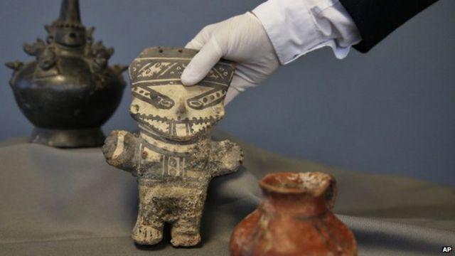 US returns smuggled ancient artefacts to Peru