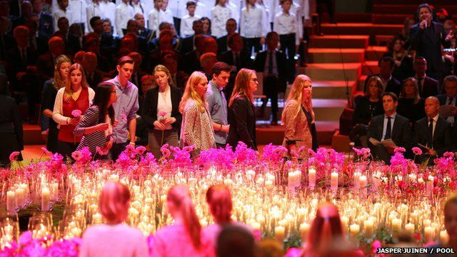 Netherlands memorial service for victims of MH17 plane crash